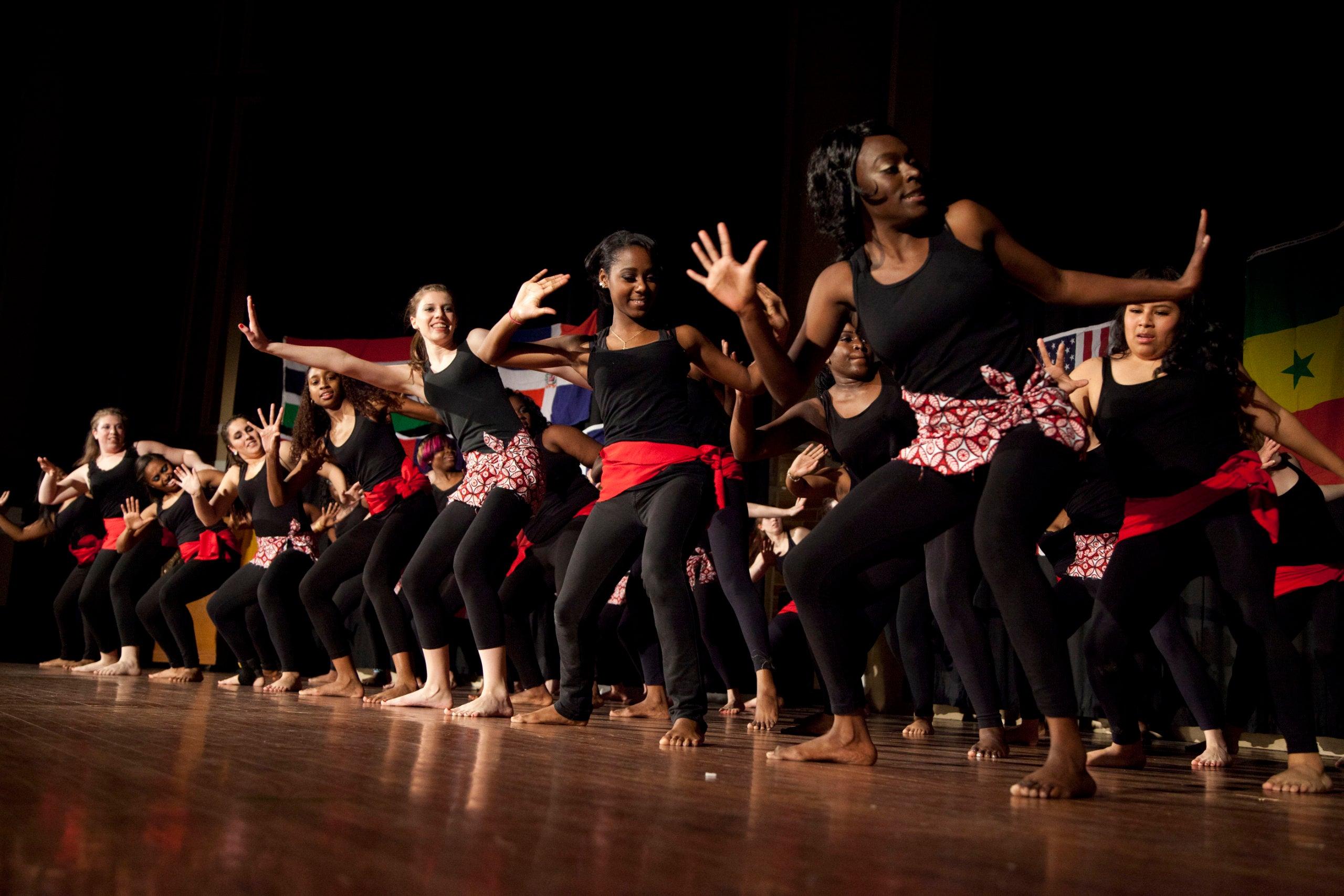 members of the Alima Dance Company