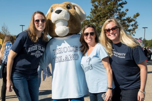 Alumni with Rhody the Ram mascot