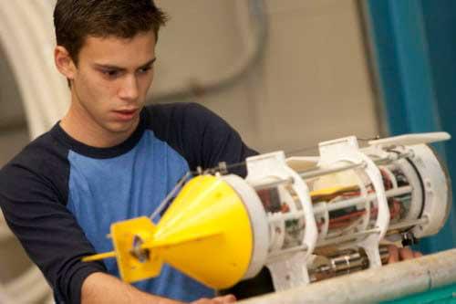 Ocean engineering student